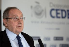 Entrevista al presidente de la Cámara de Comercio de España y Grupo Freixenet, José Luis Bonet, en el Desayuno CEDE de Alicante